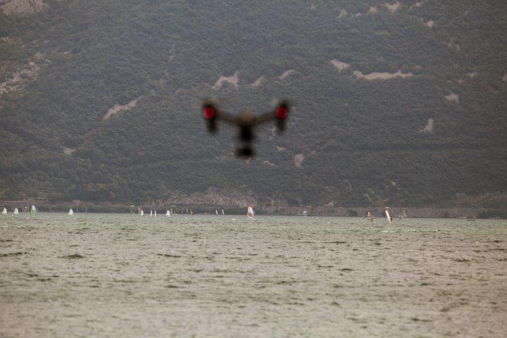 Zdjęcia z drona – kiedy i jak się je wykonuje?